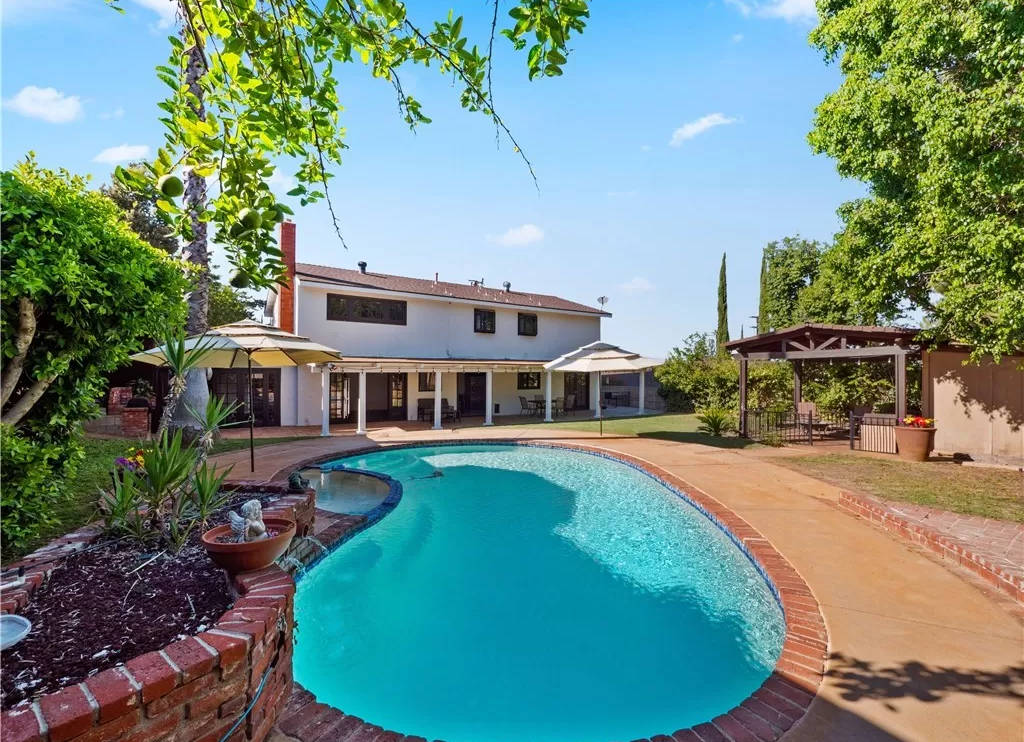 In Ground Pool 22408 Liberty Bell Rd Calabasas CA