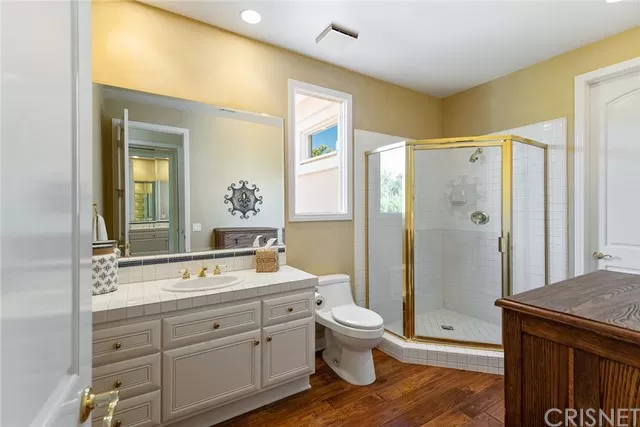 Bathroom 5374 Wellesley Dr Calabasas, CA 91302