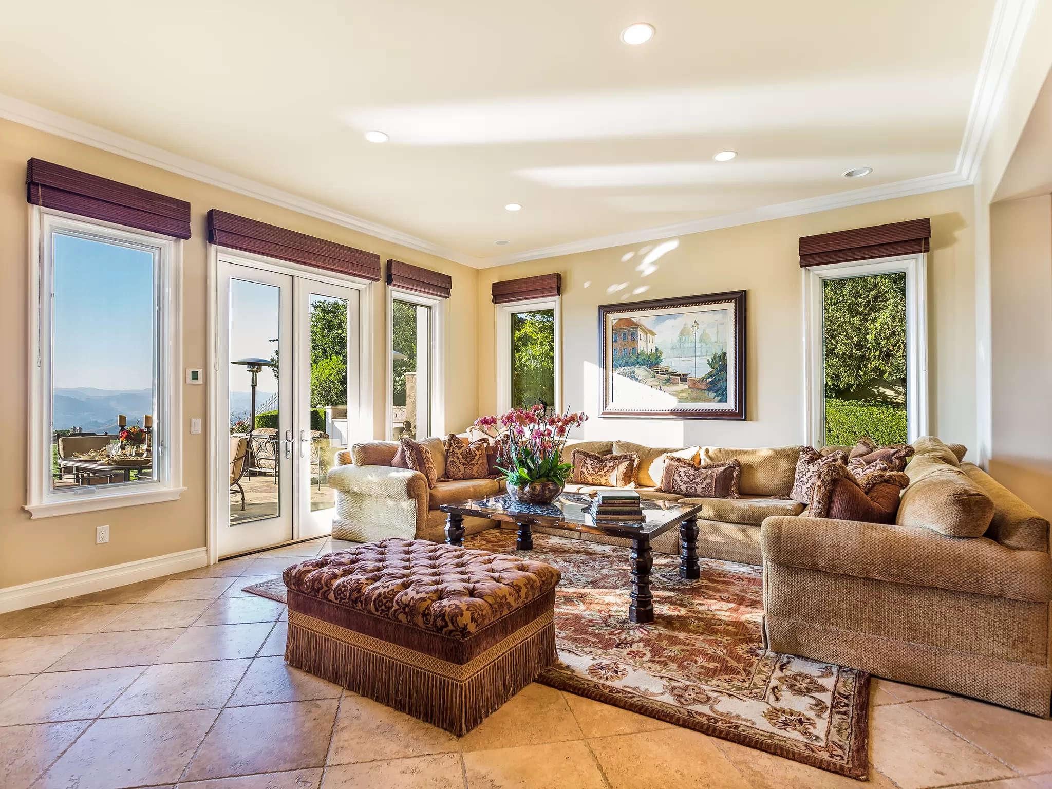 Living Room Two 4189 Prado De Los Pajaros Calabasas, CA 91302
