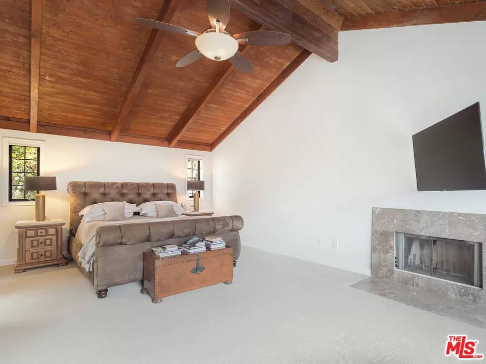 Master Bedroom 24940 Bob Batchelor Rd Calabasas, CA 91302
