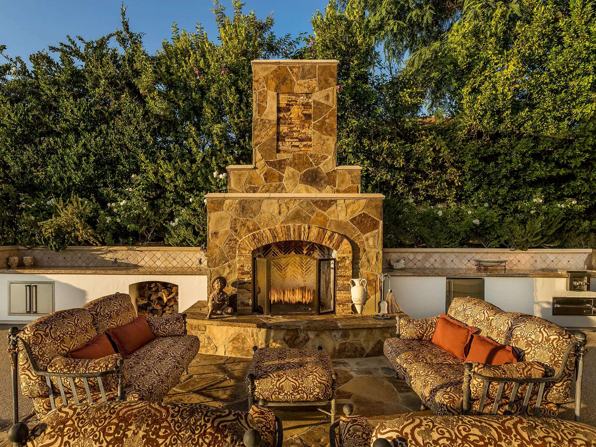 Outdoor Fireplace 4189 Prado De Los Pajaros Calabasas, CA 91302